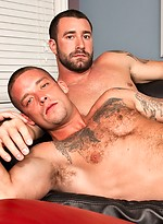 Muscle hunks Vinny Castillo and Caleb Colton fucking
