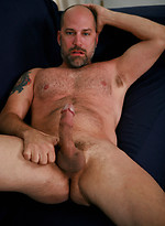 Mike Ryder shows his mature ass