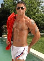 Muscled stud Derek Atlas